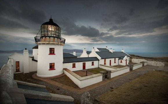 clare_island_lighthouse_hotel_ireland_3-580x360