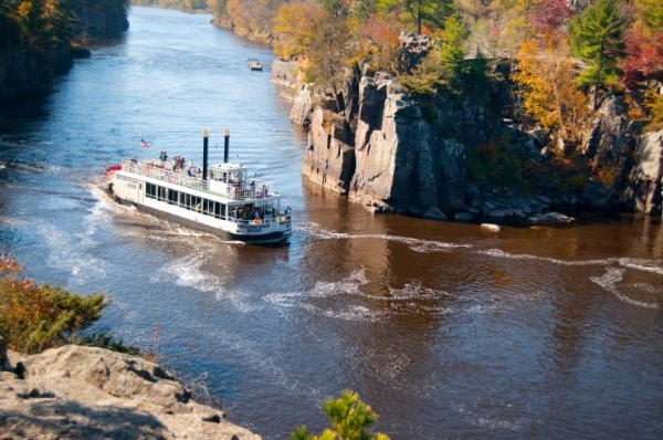 3 River Cruises For Fall Foliage
