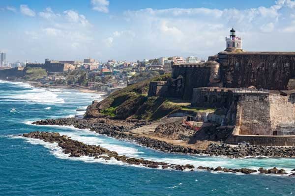 Looking For An Easy Island Escape? Try Puerto Rico. A Lot Of Families Like To Hit The Beach Over The Holiday Season, Escaping The Cold Weather And Typical Holiday Routine. If You Are Looking To Head South For A Tropical Holiday This Season, Then You Should Consider Puerto Rico. The Island Has Something To Please Every Type Of Traveler: Waterfalls, Historic Sites, Deep Caves, Star Gazing, Amazing Beaches, Water Sports And Wildlife.