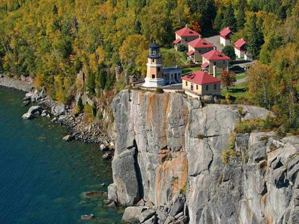 split-rock-minnesota-lighthouse