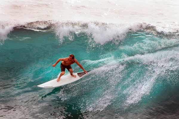 Surfing_Maui_Tom_Kelly