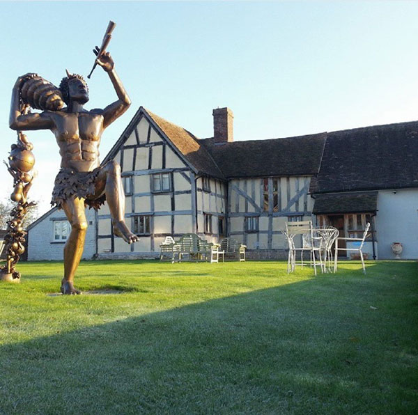 Manor Farm - Worcestershire - 5 Unique Hotel Experience to Have in Europe
