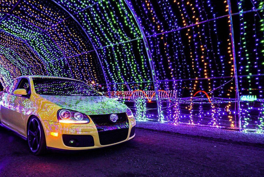 drive thru christmas lights