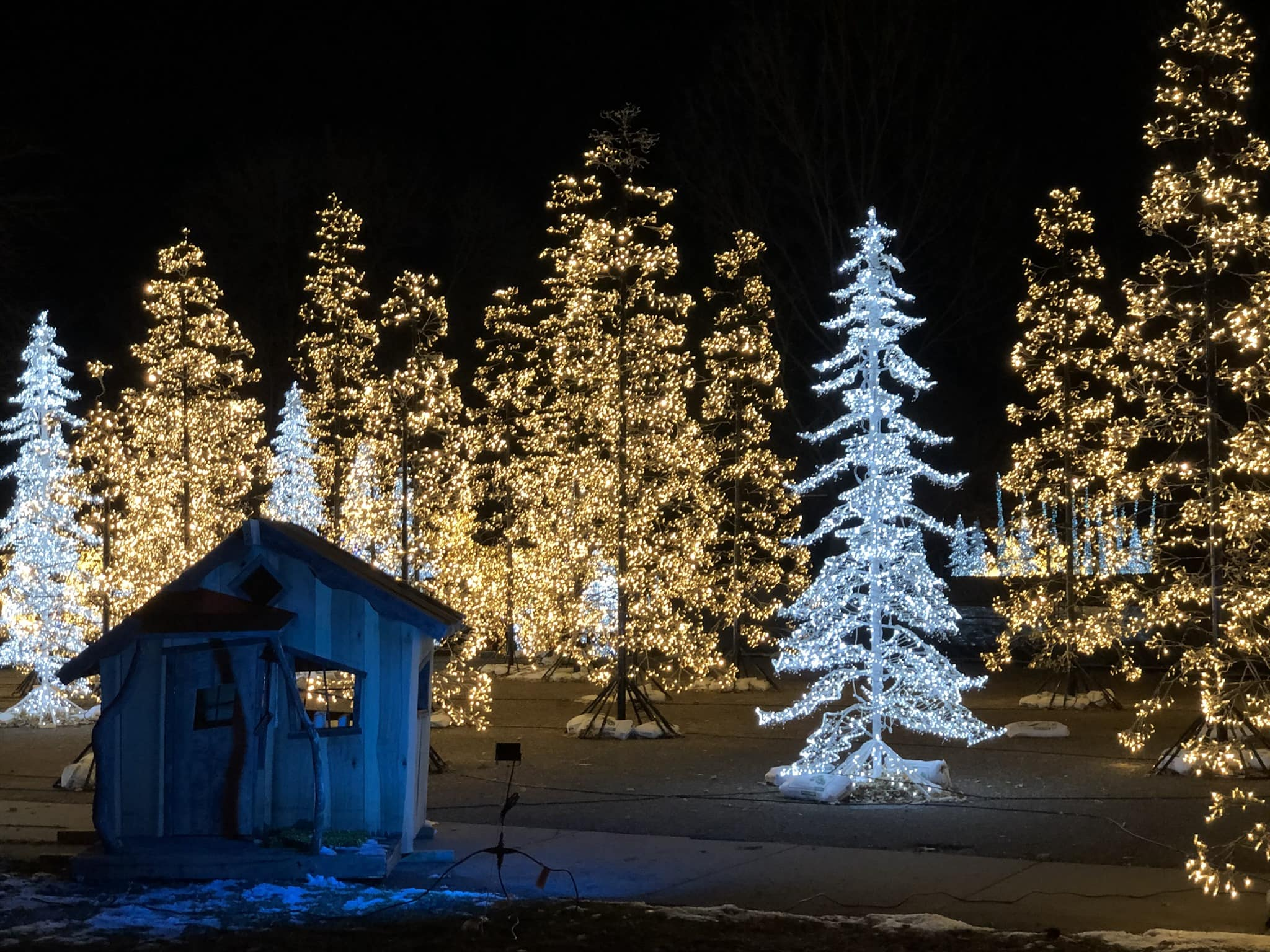 GLOW holiday festival - Christmas drive thru lights