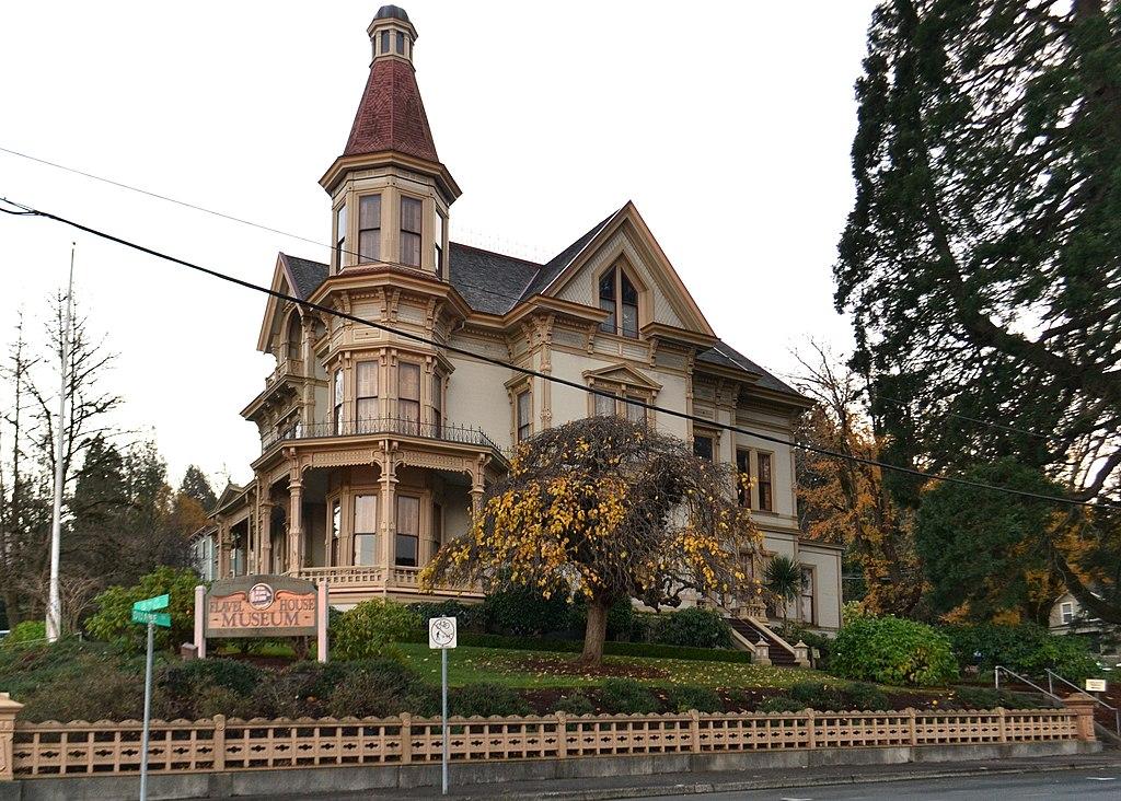 Scary Movie Destinations - Astoria, Oregon - Flavel House
